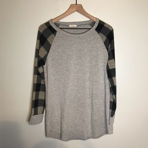 12pm by Mon Ami Checkered Gray Long Sleeve size L